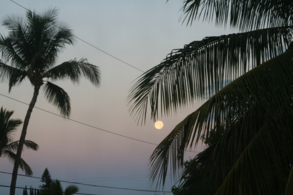 Supermoon Moonset Maui