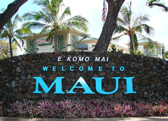 welcome-to-Maui-sign
